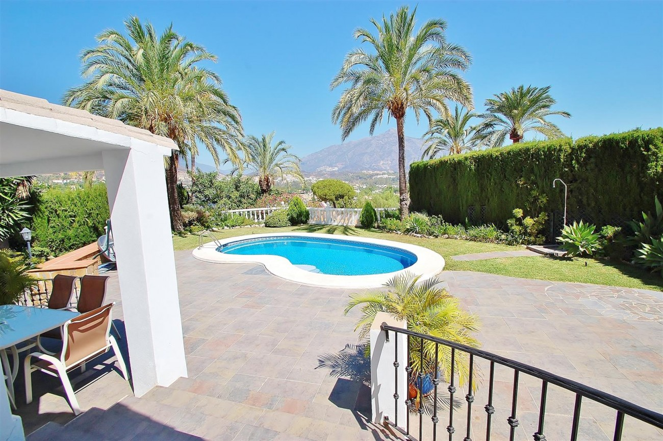 V4913 Villa for sale in Nueva Andalucia Marbella Spain (20) (Large)