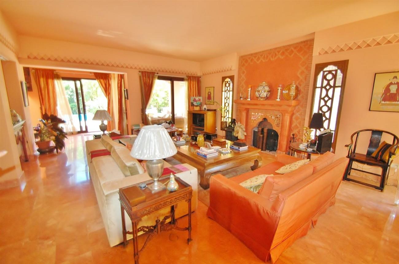 Villa for sale Nueva Andalucia Marbella Spain (7) (Large)