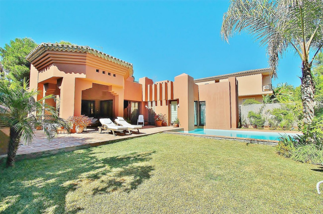 Villa for sale Nueva Andalucia Marbella Spain (17) (Large)