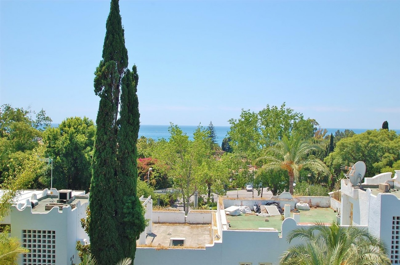 A4918 Golden Mile Apartment Marbella (2) (Large)