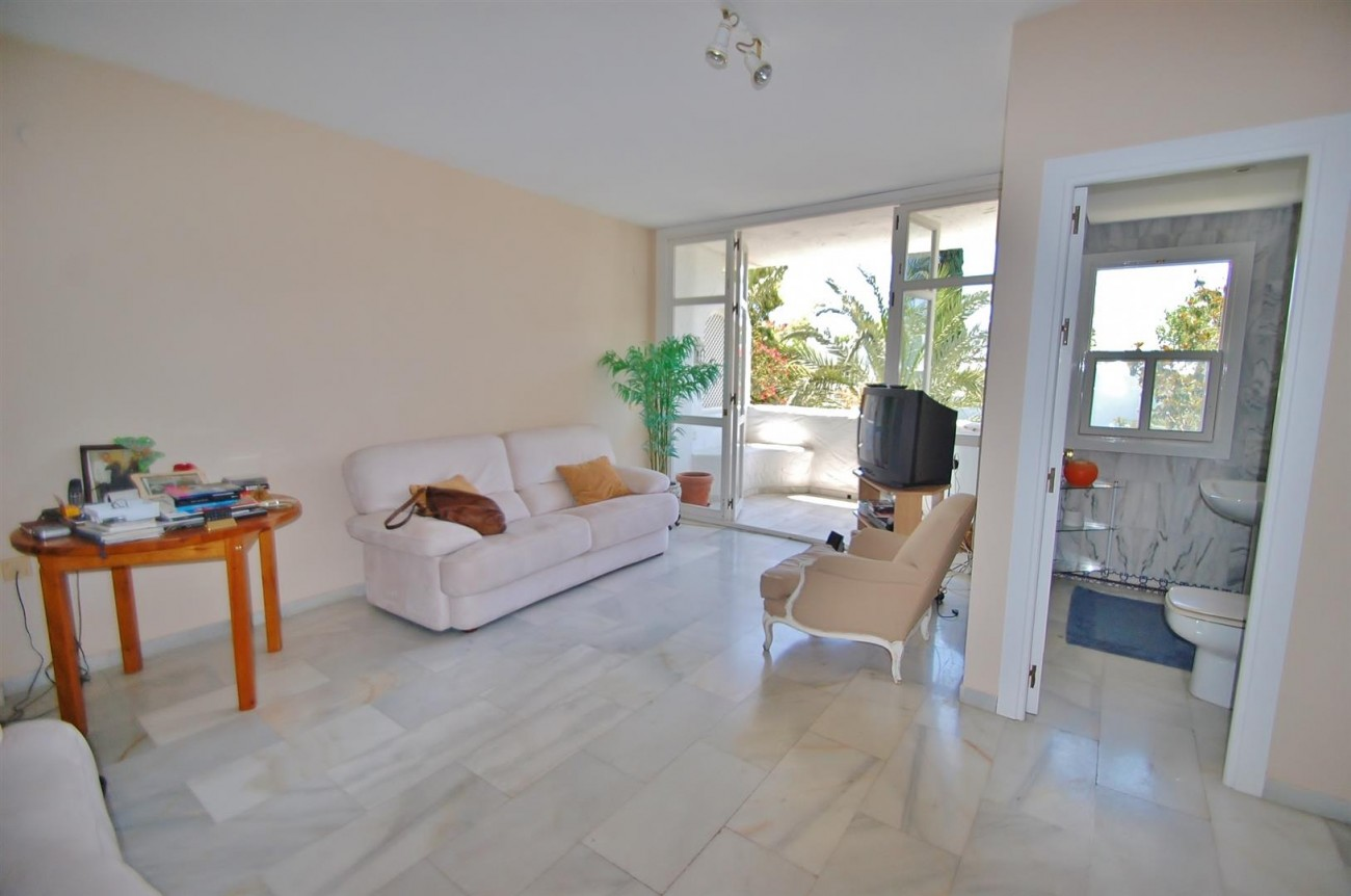 A4918 Golden Mile Apartment Marbella (3) (Large)