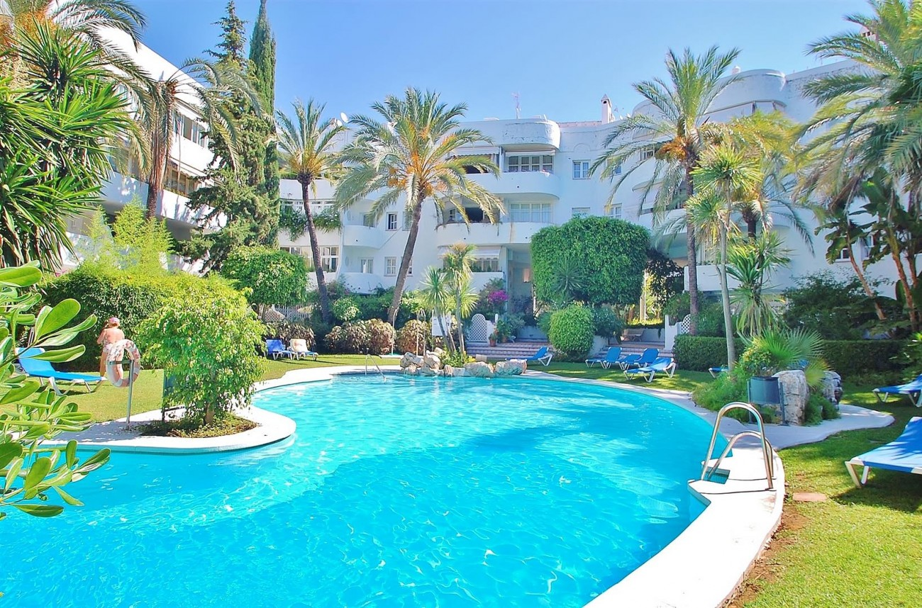 A4918 Golden Mile Apartment Marbella (4) (Large)