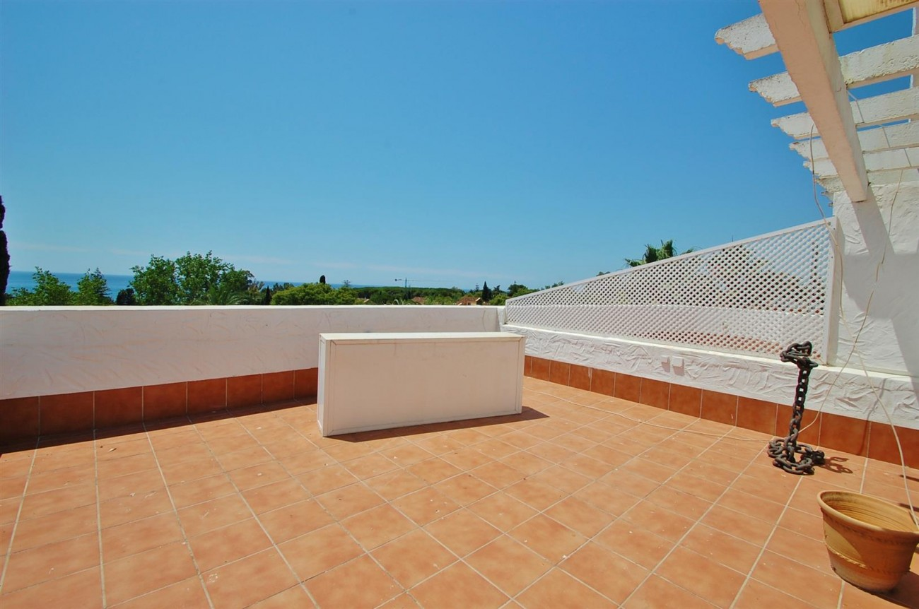 A4918 Golden Mile Apartment Marbella (9) (Large)