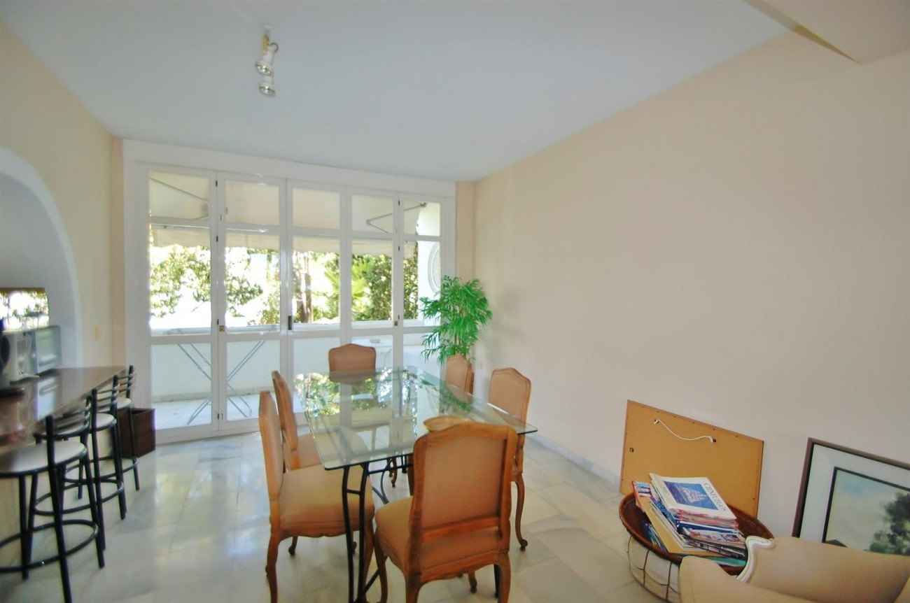 A4918 Golden Mile Apartment Marbella (10) (Large)