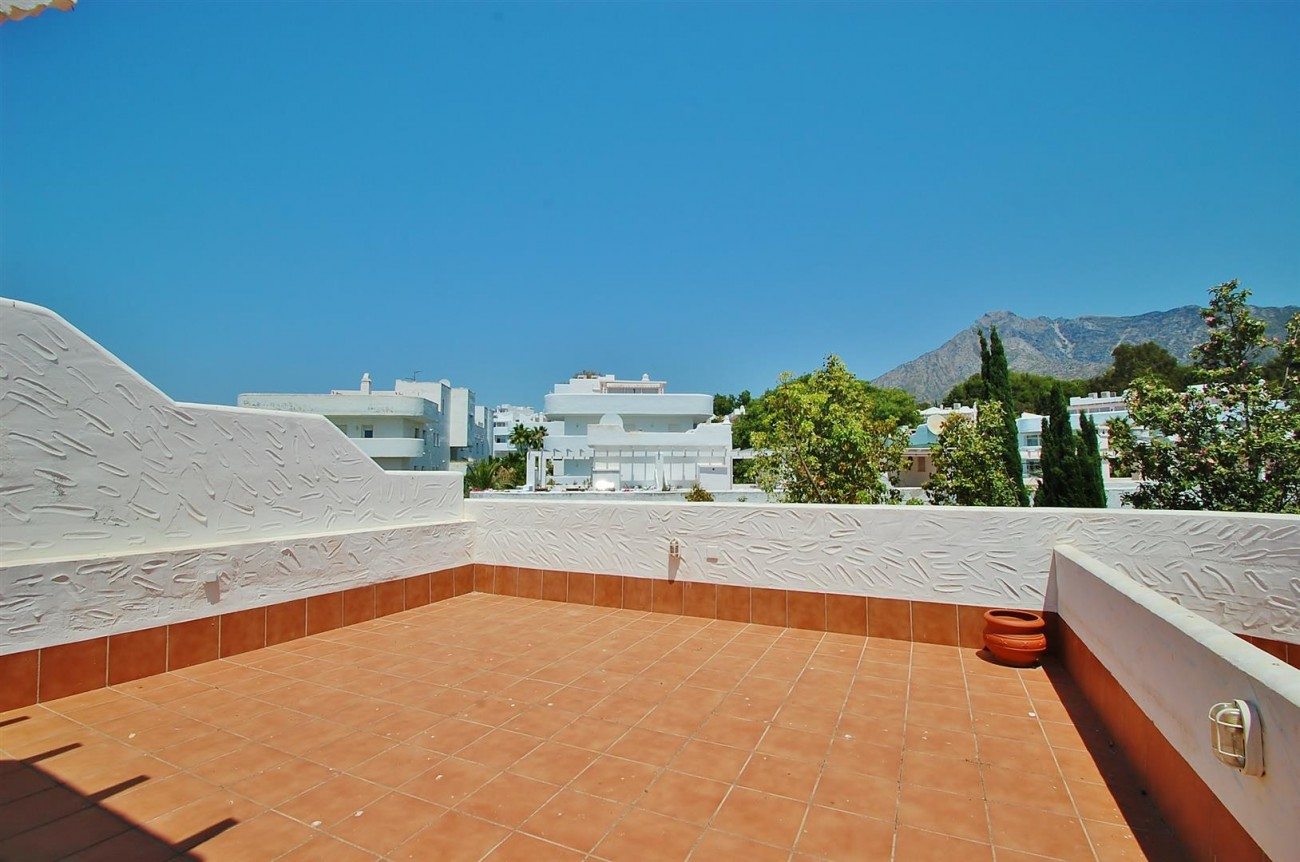 A4918 Golden Mile Apartment Marbella (11) (Large)