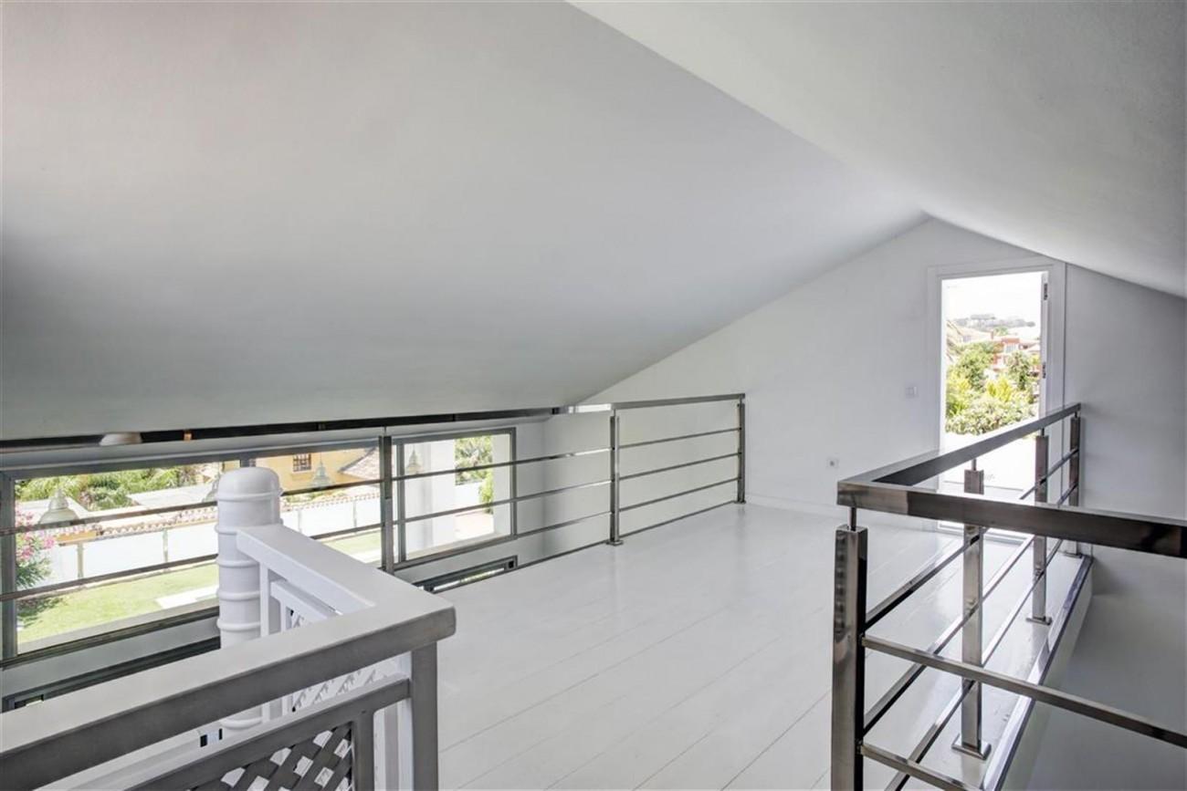 V4999 Villa Nueva Andalucia (8) (Large)
