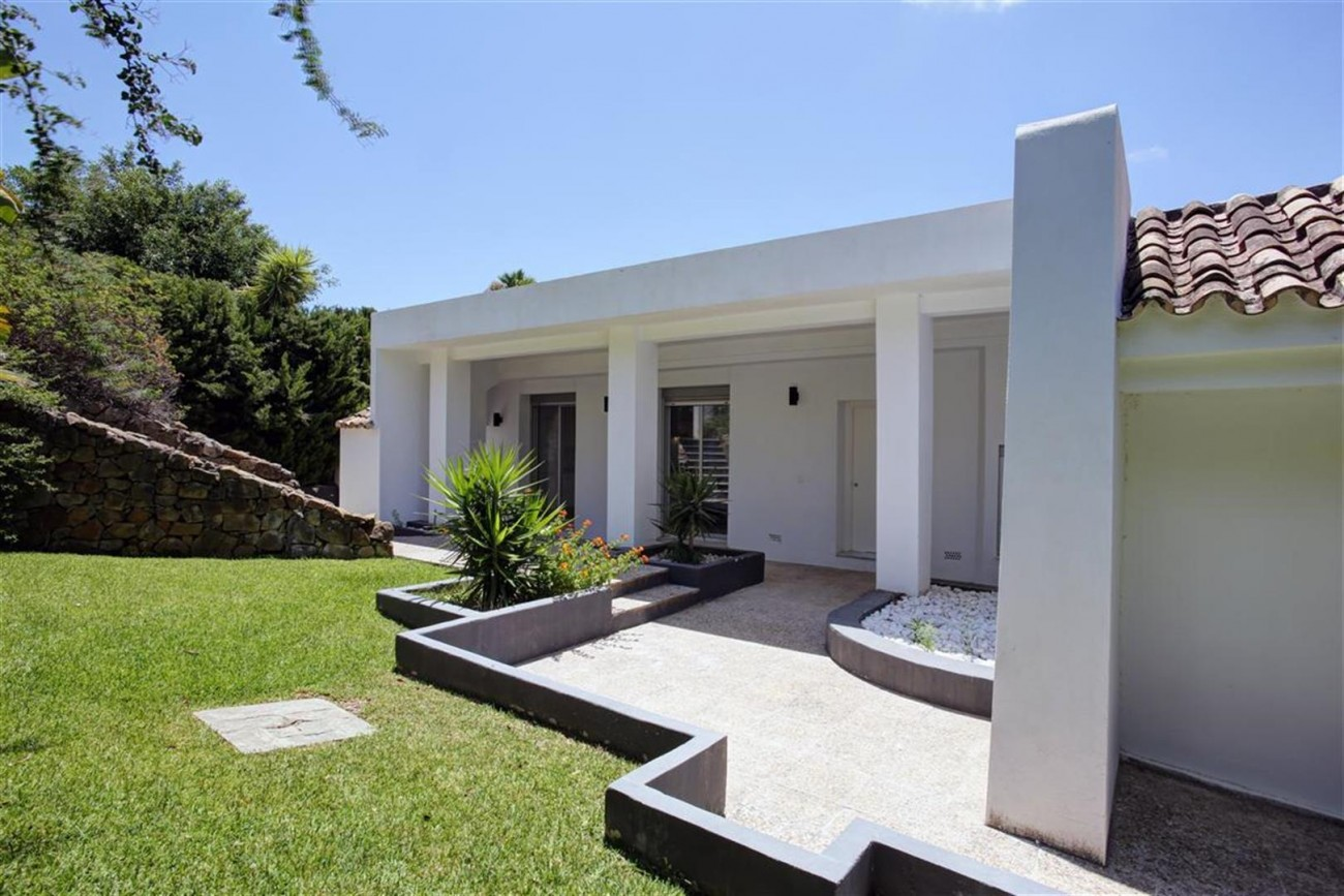 V4999 Villa Nueva Andalucia (10) (Large)
