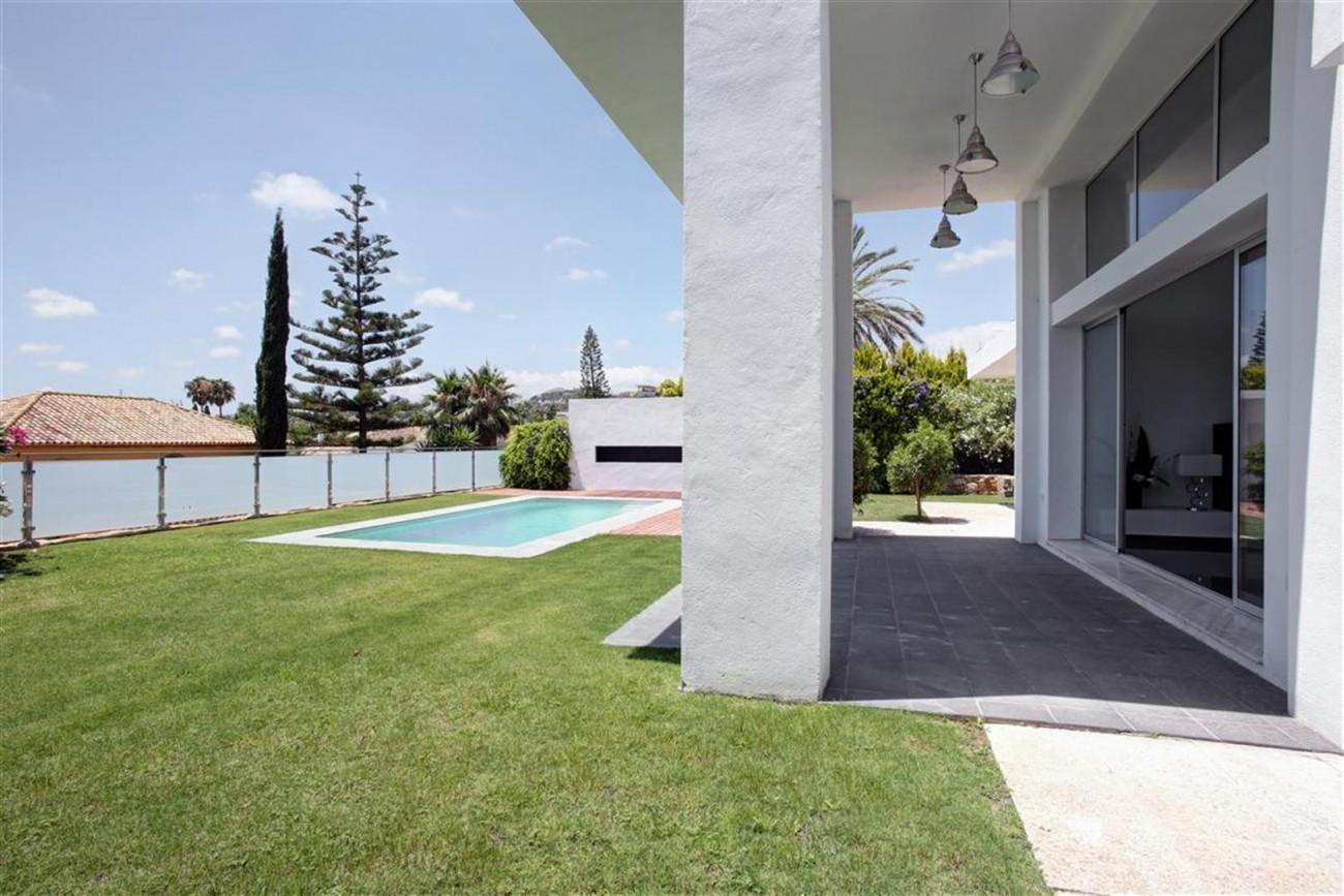 V4999 Villa Nueva Andalucia (14) (Large)