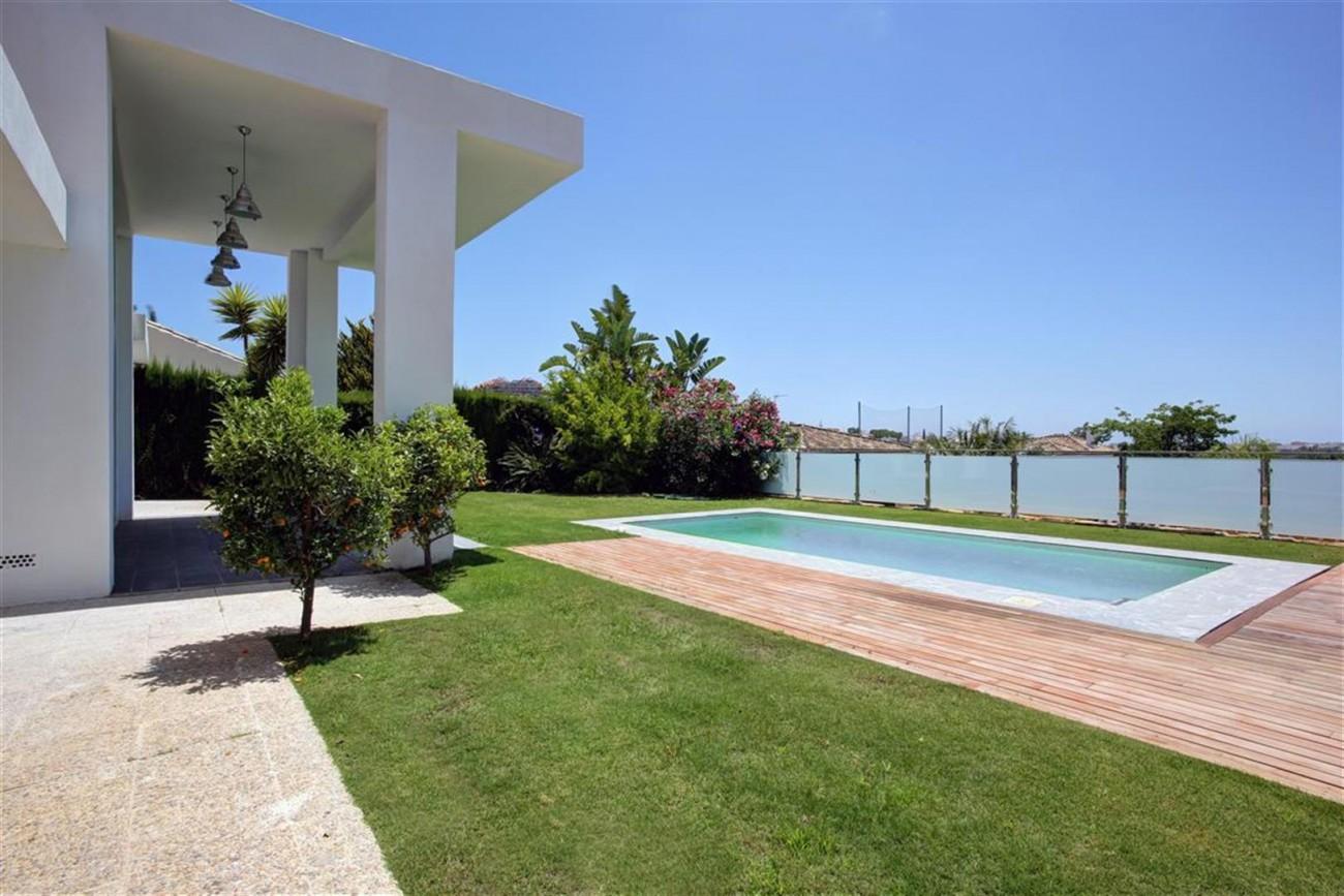 V4999 Villa Nueva Andalucia (15) (Large)