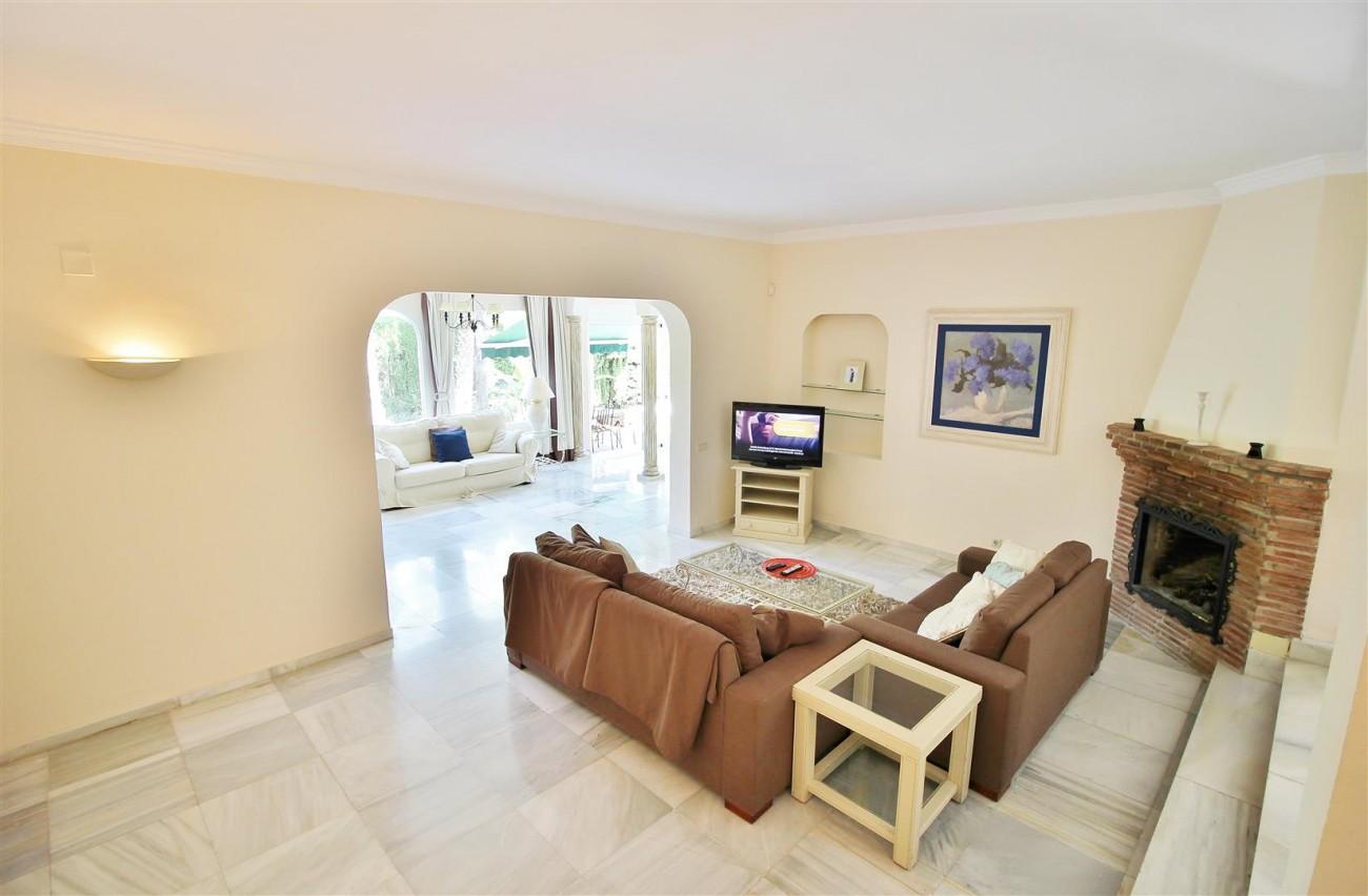 Elegant Villa For Sale Nueva Andalucia Marbella Spain (7) (Large)