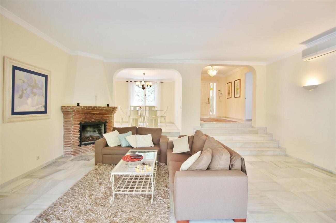 Elegant Villa For Sale Nueva Andalucia Marbella Spain (11) (Large)