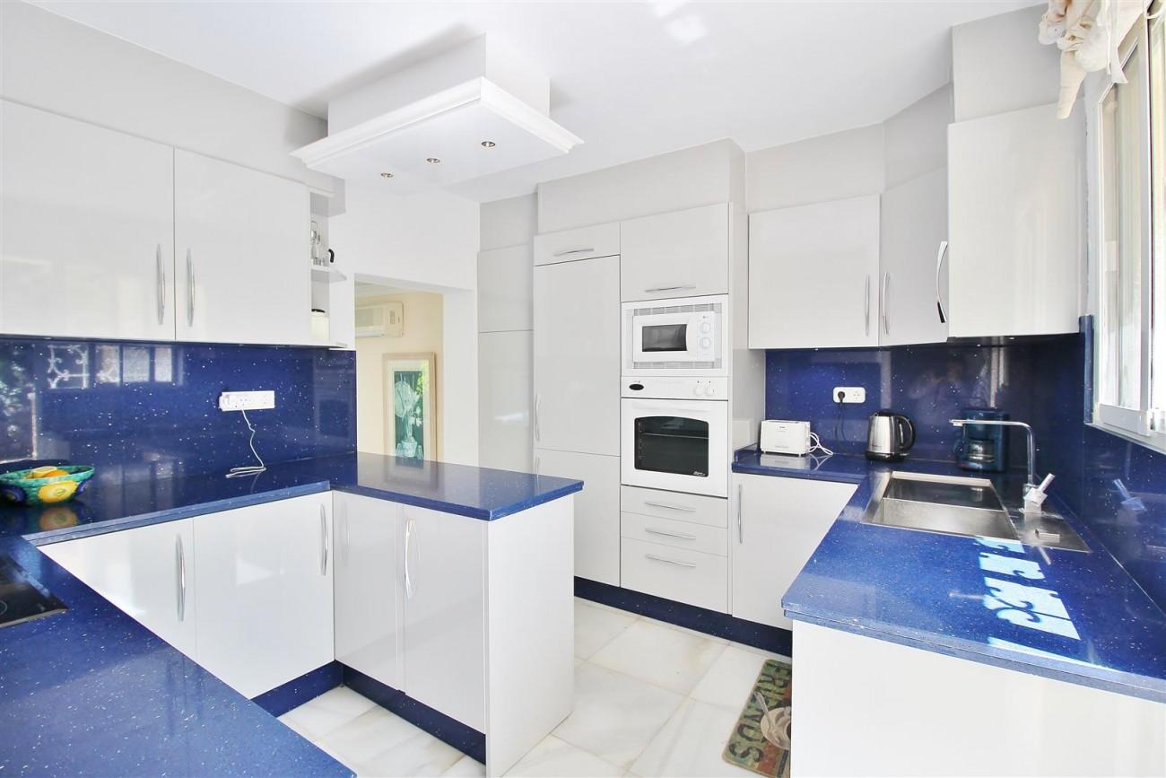 Elegant Villa For Sale Nueva Andalucia Marbella Spain (17) (Large)