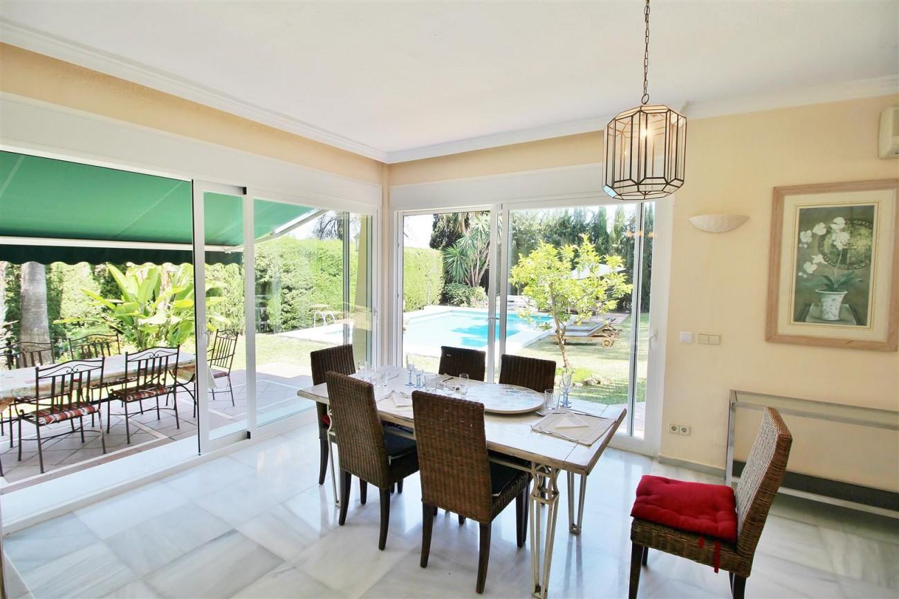 Elegant Villa For Sale Nueva Andalucia Marbella Spain (24) (Large)
