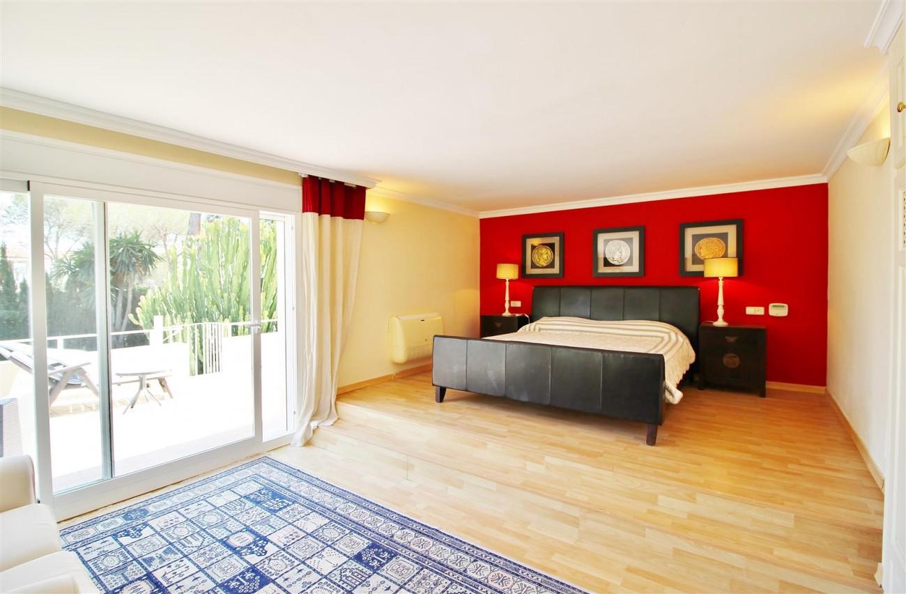 Elegant Villa For Sale Nueva Andalucia Marbella Spain (30) (Large)