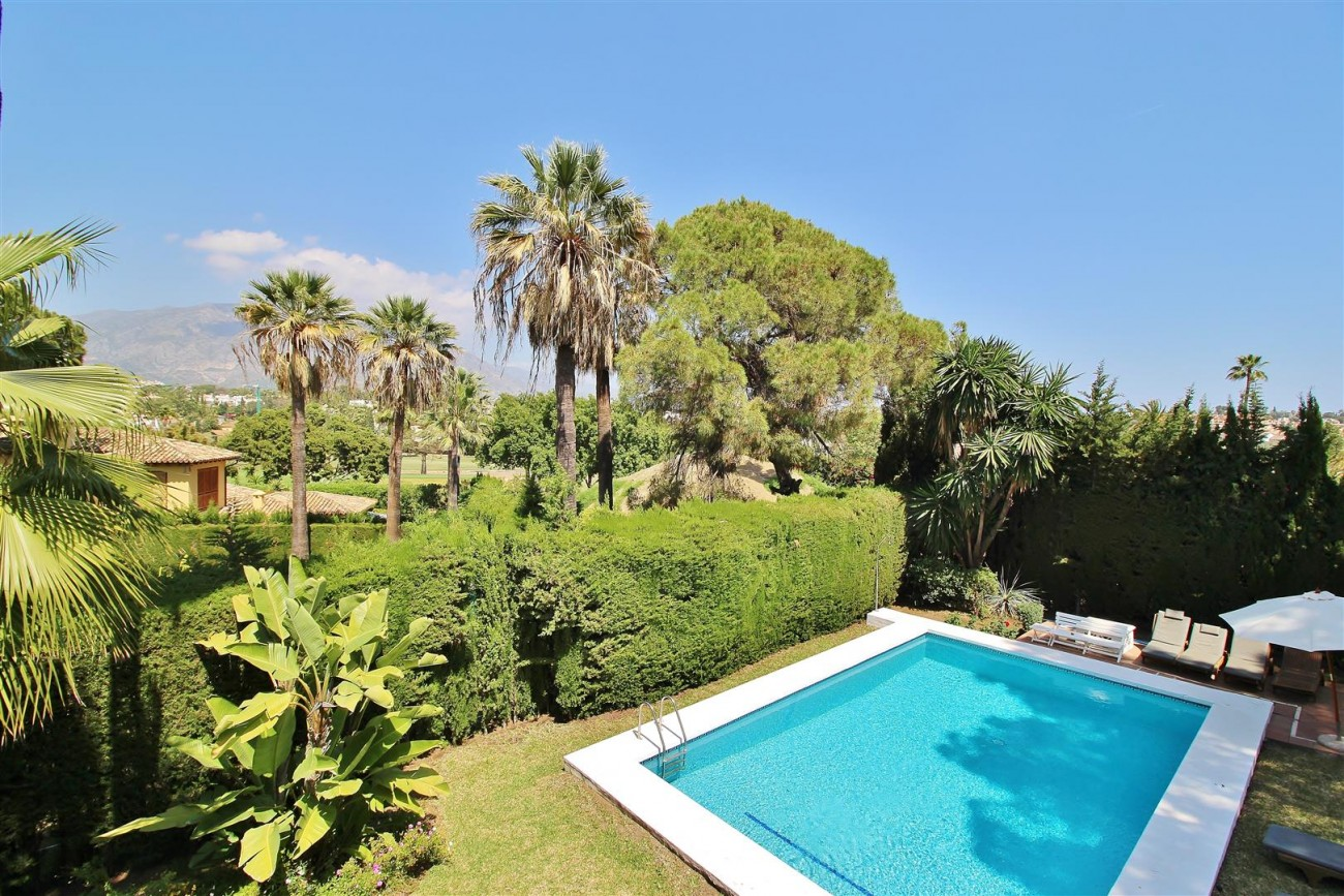 Elegant Villa For Sale Nueva Andalucia Marbella Spain (35) (Large)