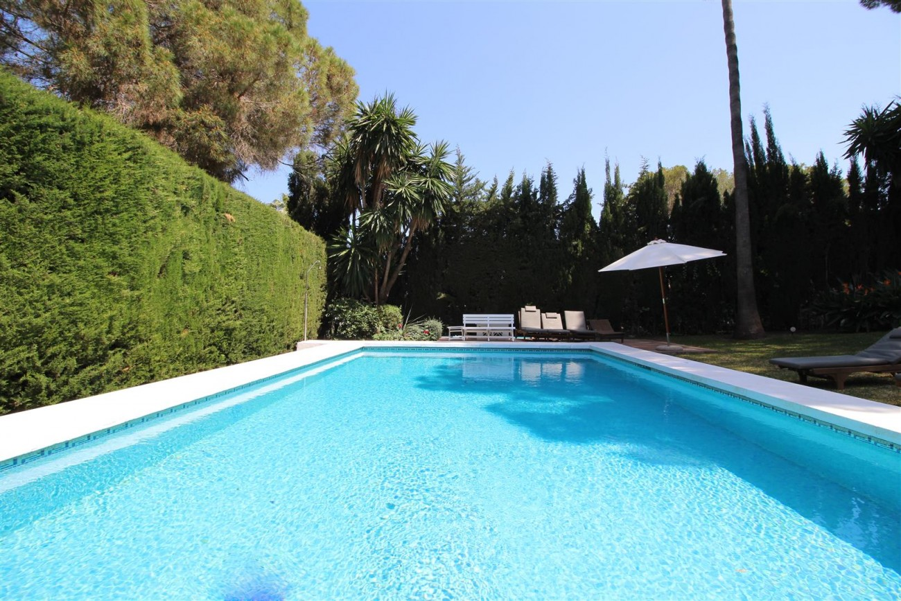 Elegant Villa For Sale Nueva Andalucia Marbella Spain (54) (Large)