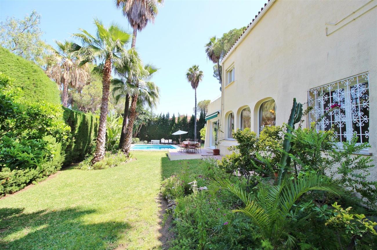 Elegant Villa For Sale Nueva Andalucia Marbella Spain (56) (Large)