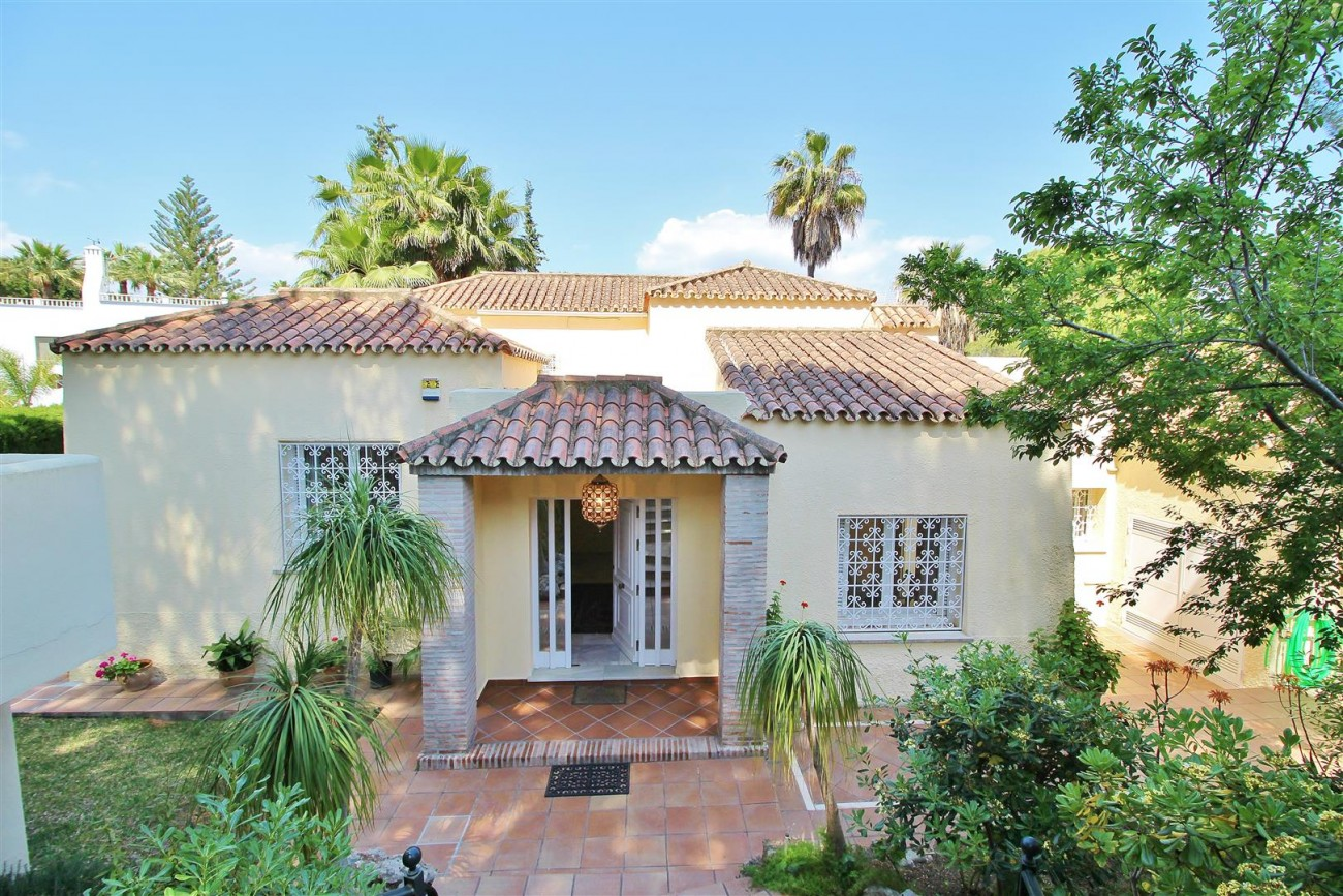 Elegant Villa For Sale Nueva Andalucia Marbella Spain (58) (Large)