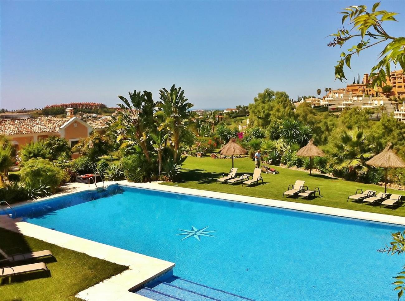 V5019 Villa in Nueva Andalucia Marbella Spain (1)