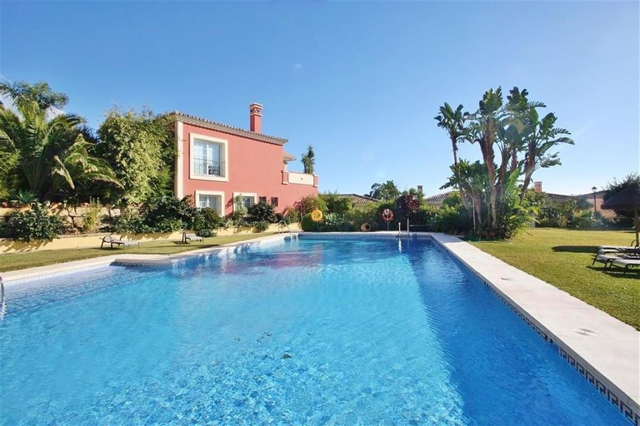 V5019 Villa in Nueva Andalucia Marbella Spain (5)