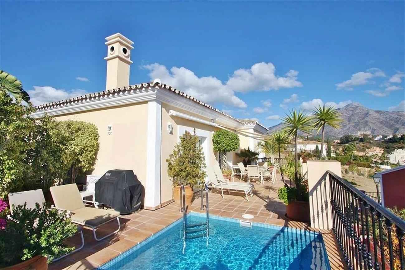 V5019 Villa in Nueva Andalucia Marbella Spain (12)