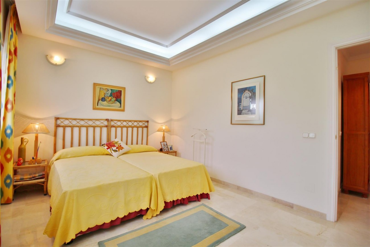 Beautiful villa for sale Nueva Andalucia Marbella Spain (11) (Large)