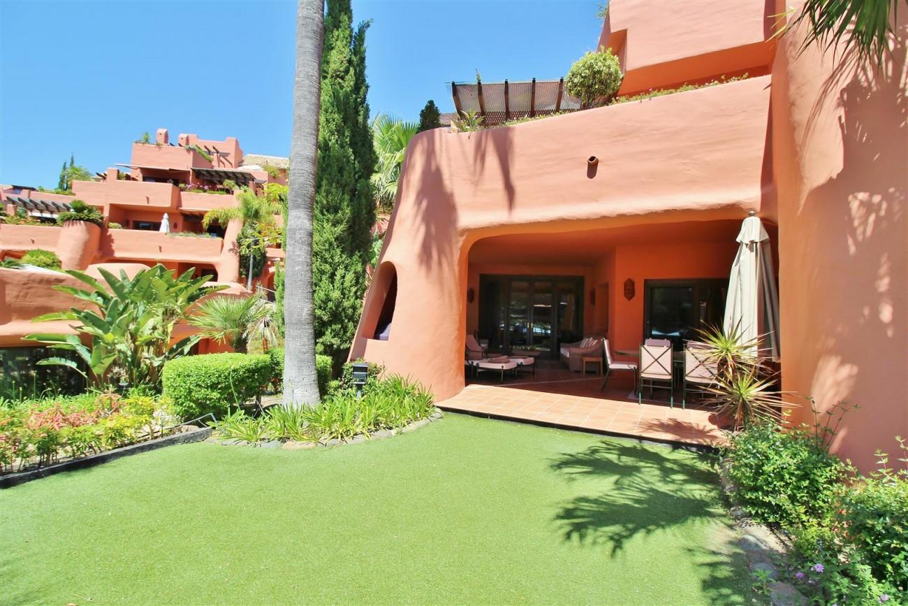 Frontline Beach Luxury Apartment New Golden Mile Estepona Spain (3) (Large)