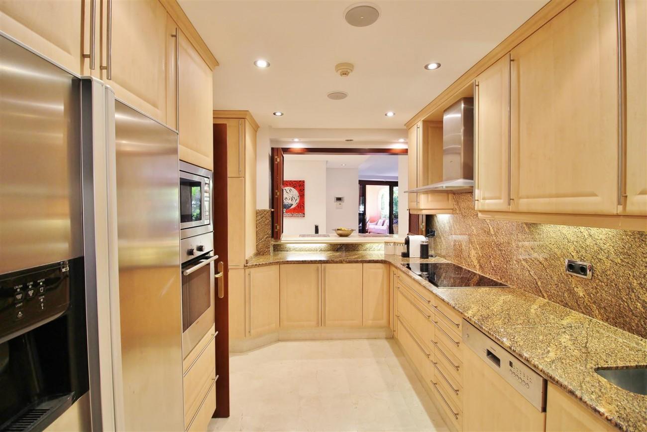 Frontline Beach Luxury Apartment New Golden Mile Estepona Spain (5) (Large)