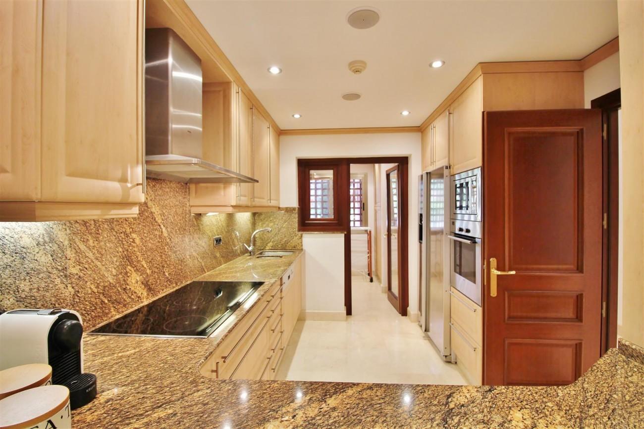 Frontline Beach Luxury Apartment New Golden Mile Estepona Spain (6) (Large)