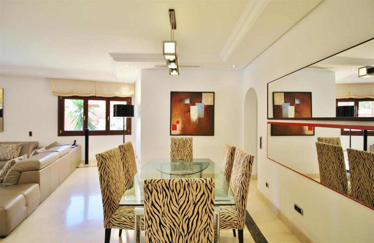 Frontline Beach Luxury Apartment New Golden Mile Estepona Spain (8) (Large)