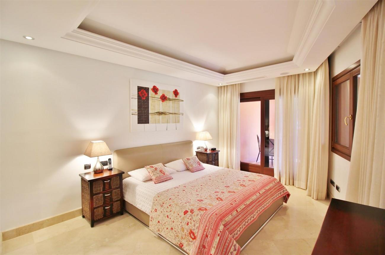 Frontline Beach Luxury Apartment New Golden Mile Estepona Spain (18) (Large)