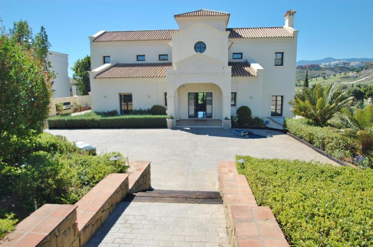 Luxury Frontline Golf Villa For Sale Benahavis Spain (1)