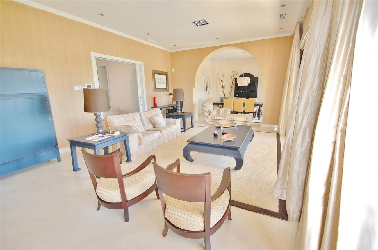Luxury Frontline Golf Villa For Sale Benahavis Spain (2)
