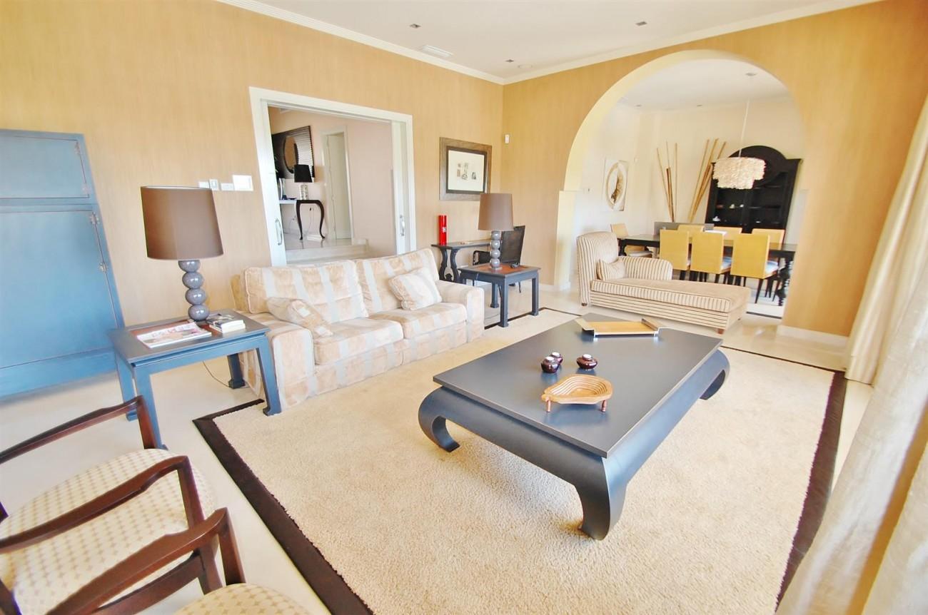 Luxury Frontline Golf Villa For Sale Benahavis Spain (12)