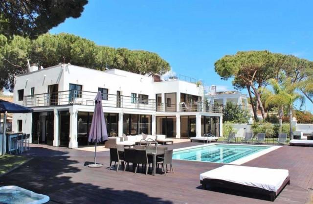 Villa for Sale - 2.995.000€ - Cabopino, Costa del Sol - Ref: 5115