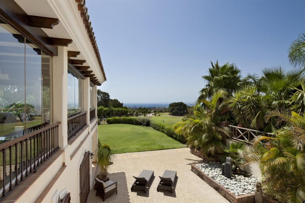 V5126 Villa with Sea Views East Marbella (2)