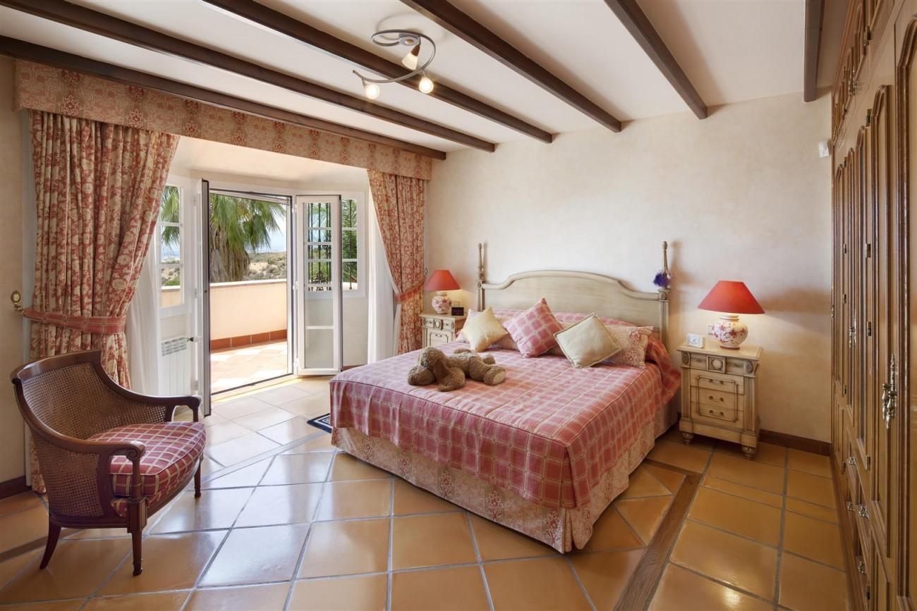 V5126 Villa with Sea Views East Marbella (6)
