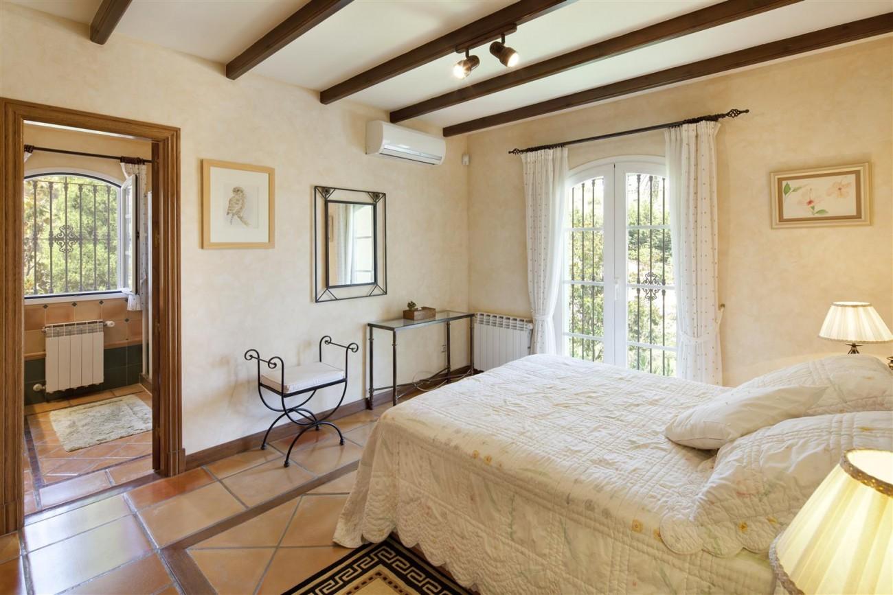 V5126 Villa with Sea Views East Marbella (7)