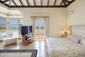 V5126 Villa with Sea Views East Marbella (8)