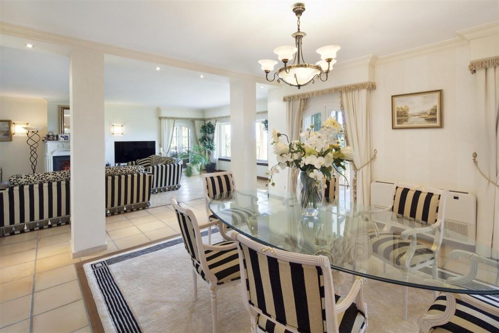 V5126 Villa with Sea Views East Marbella (10)