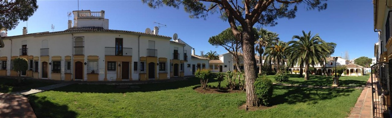 Affordable Townhouse in Elviria (3) (Large)