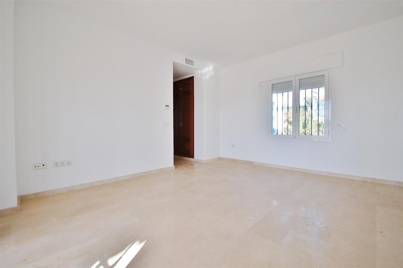 V5215 Villa Nueva Andalucia (7) (Large)