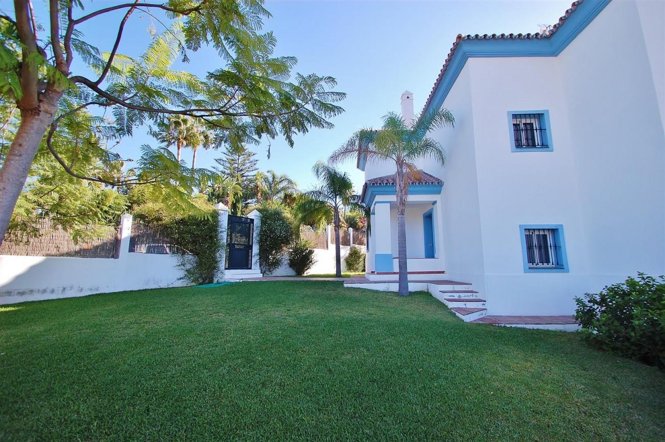 V5215 Villa Nueva Andalucia (26) (Large)