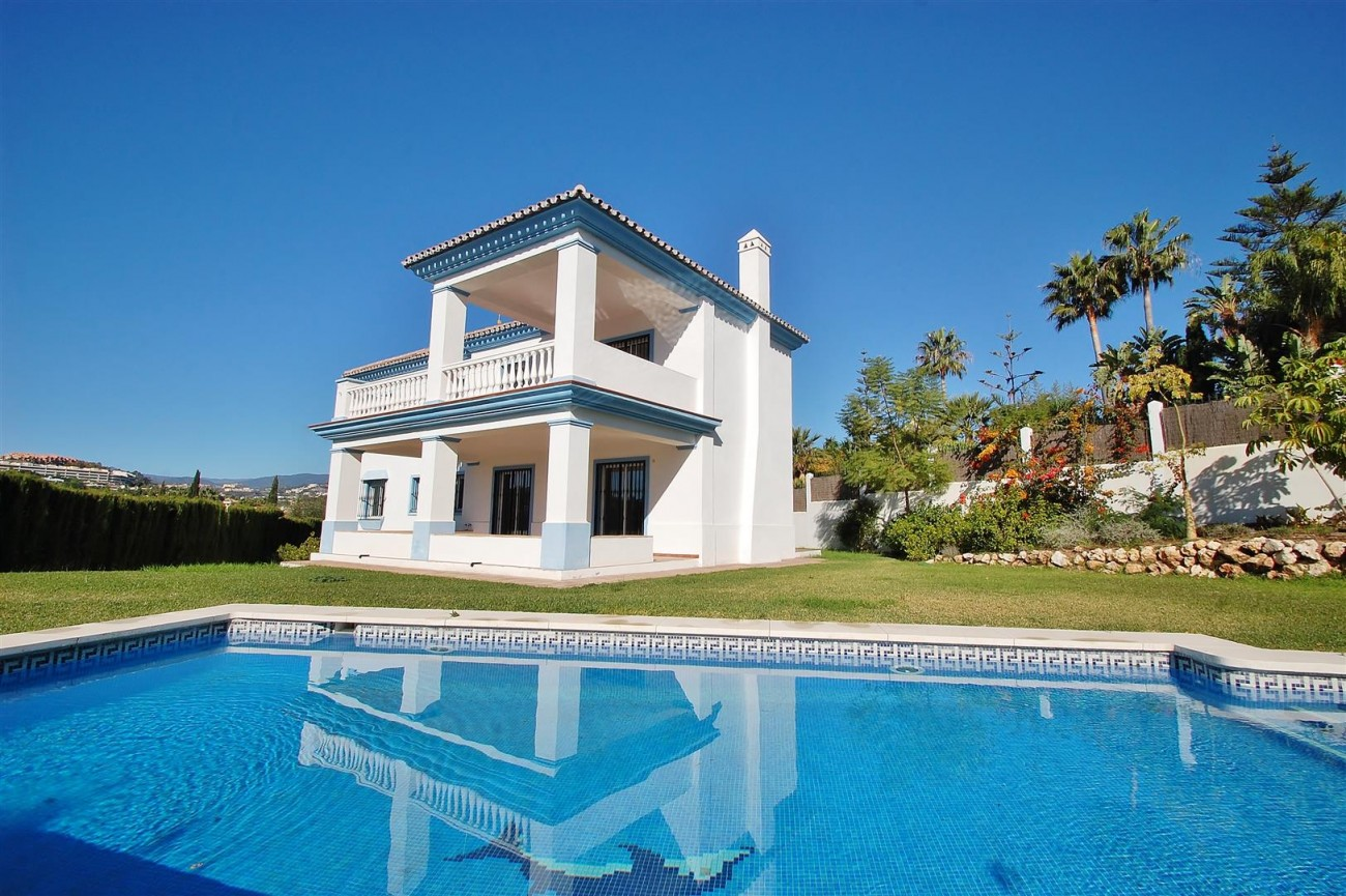 V5215 Villa Nueva Andalucia (28) (Large)
