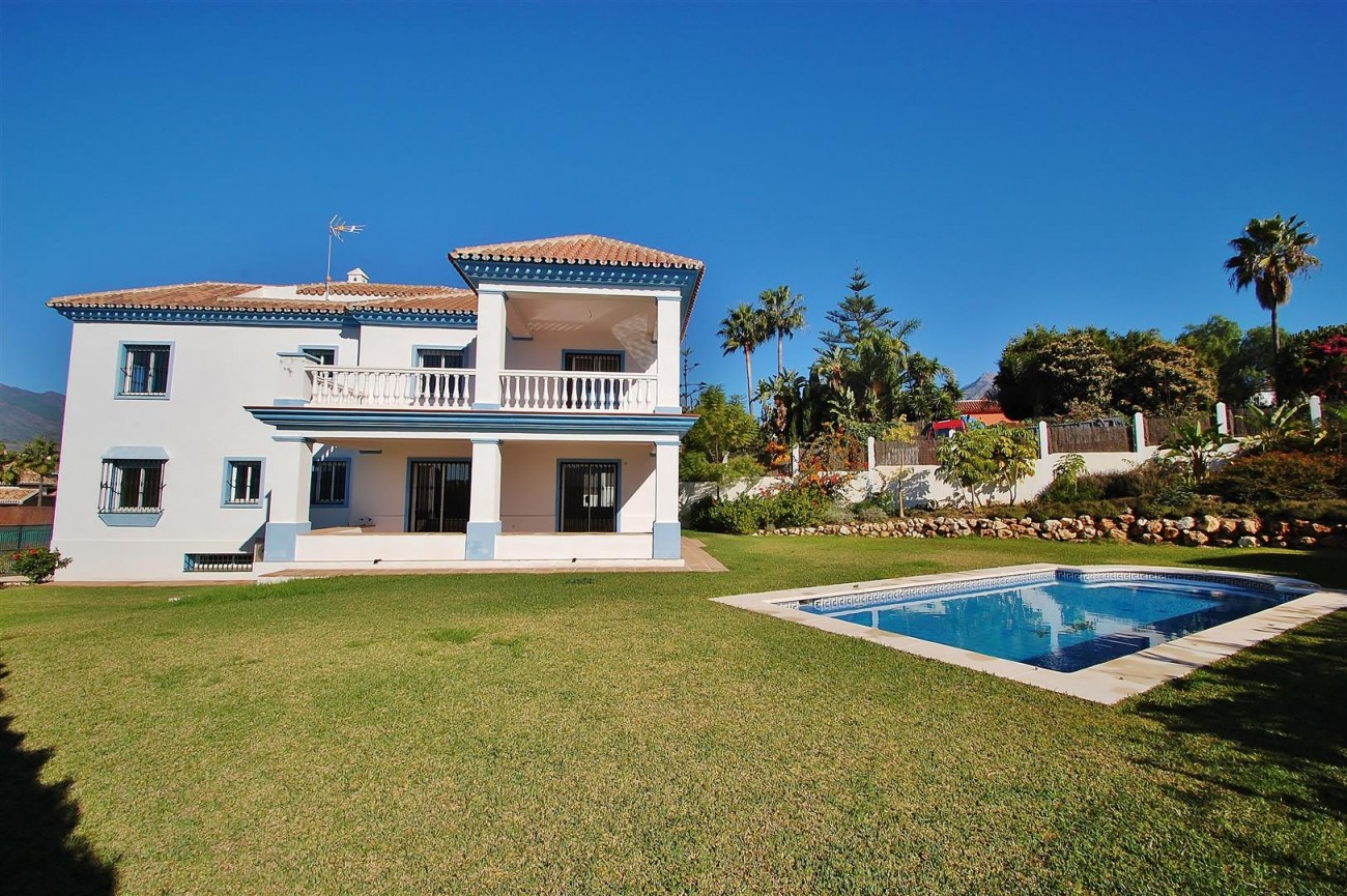 V5215 Villa Nueva Andalucia (30) (Large)