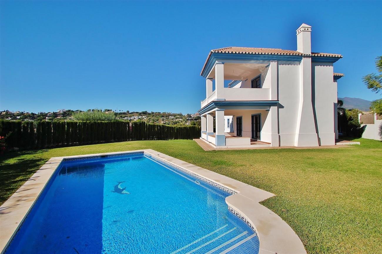 V5215 Villa Nueva Andalucia (32) (Large)
