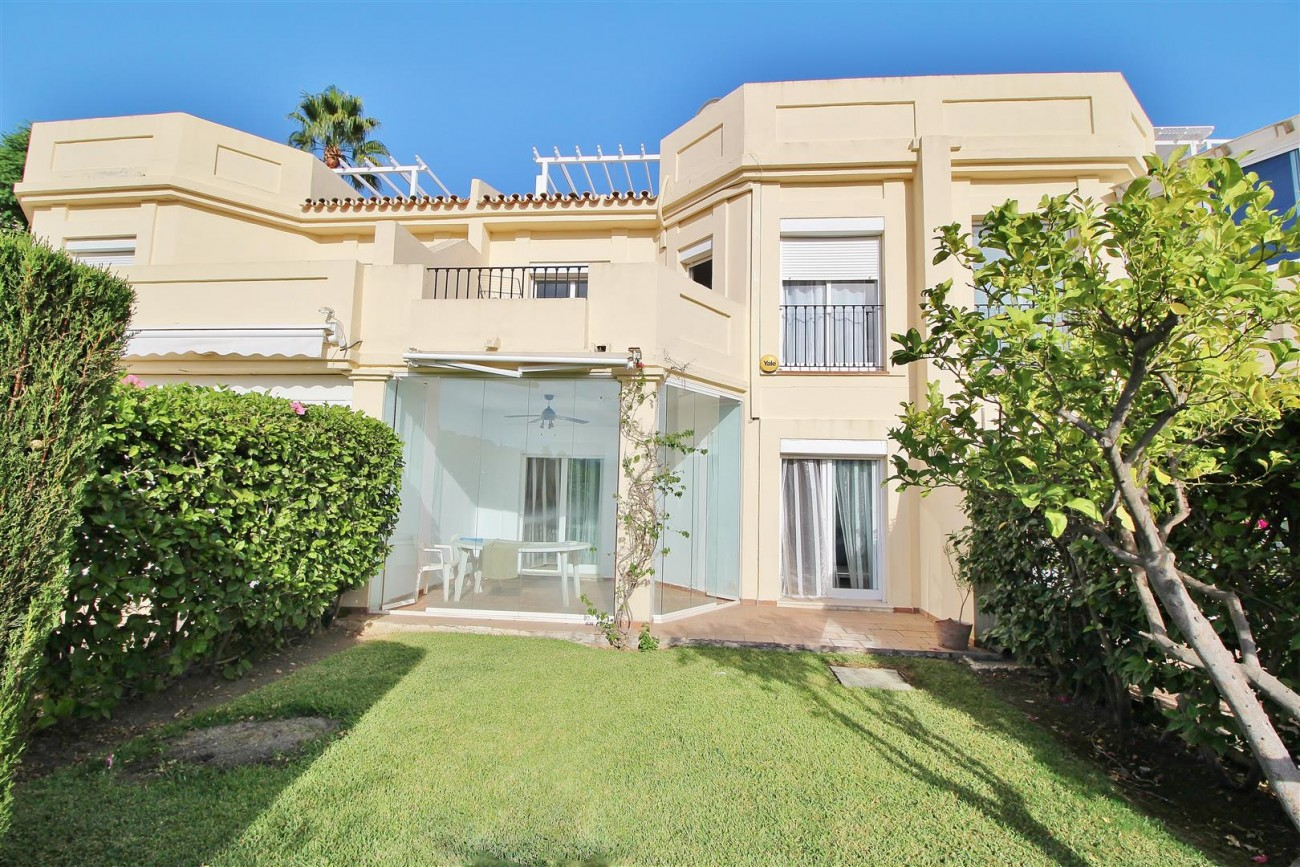 Townhouse for sale La Quinta Golf Benahavis Spain (5) (Large)