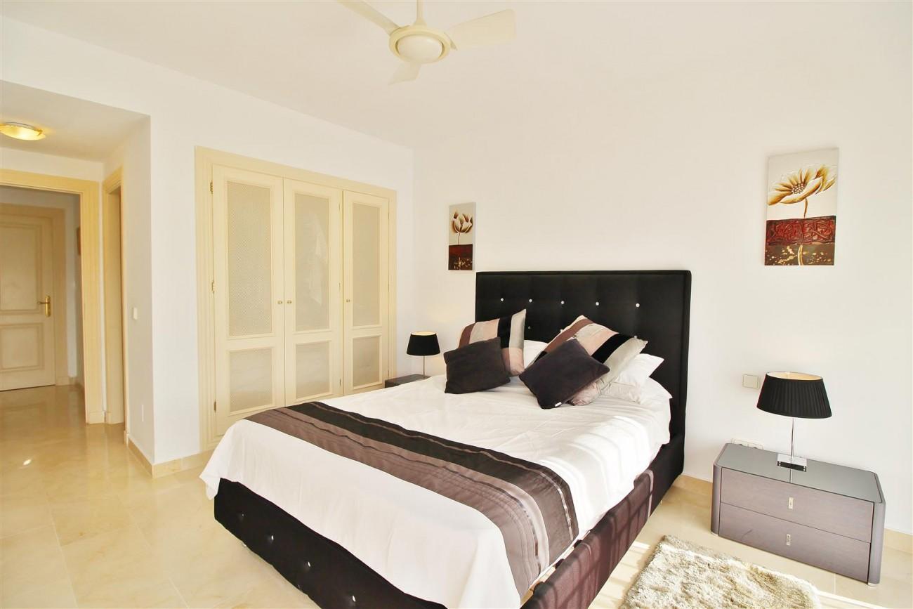 Townhouse for sale La Quinta Golf Benahavis Spain (15) (Large)