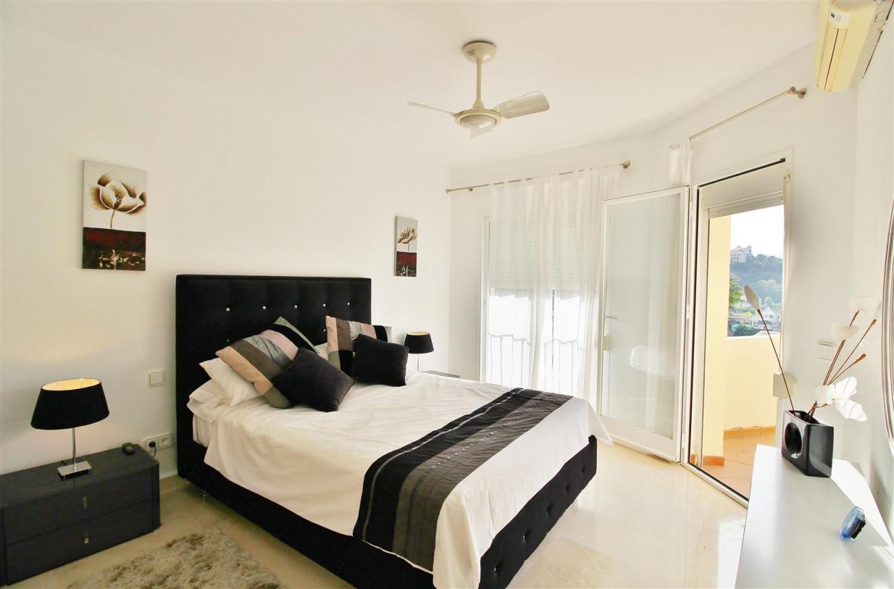 Townhouse for sale La Quinta Golf Benahavis Spain (16) (Large)