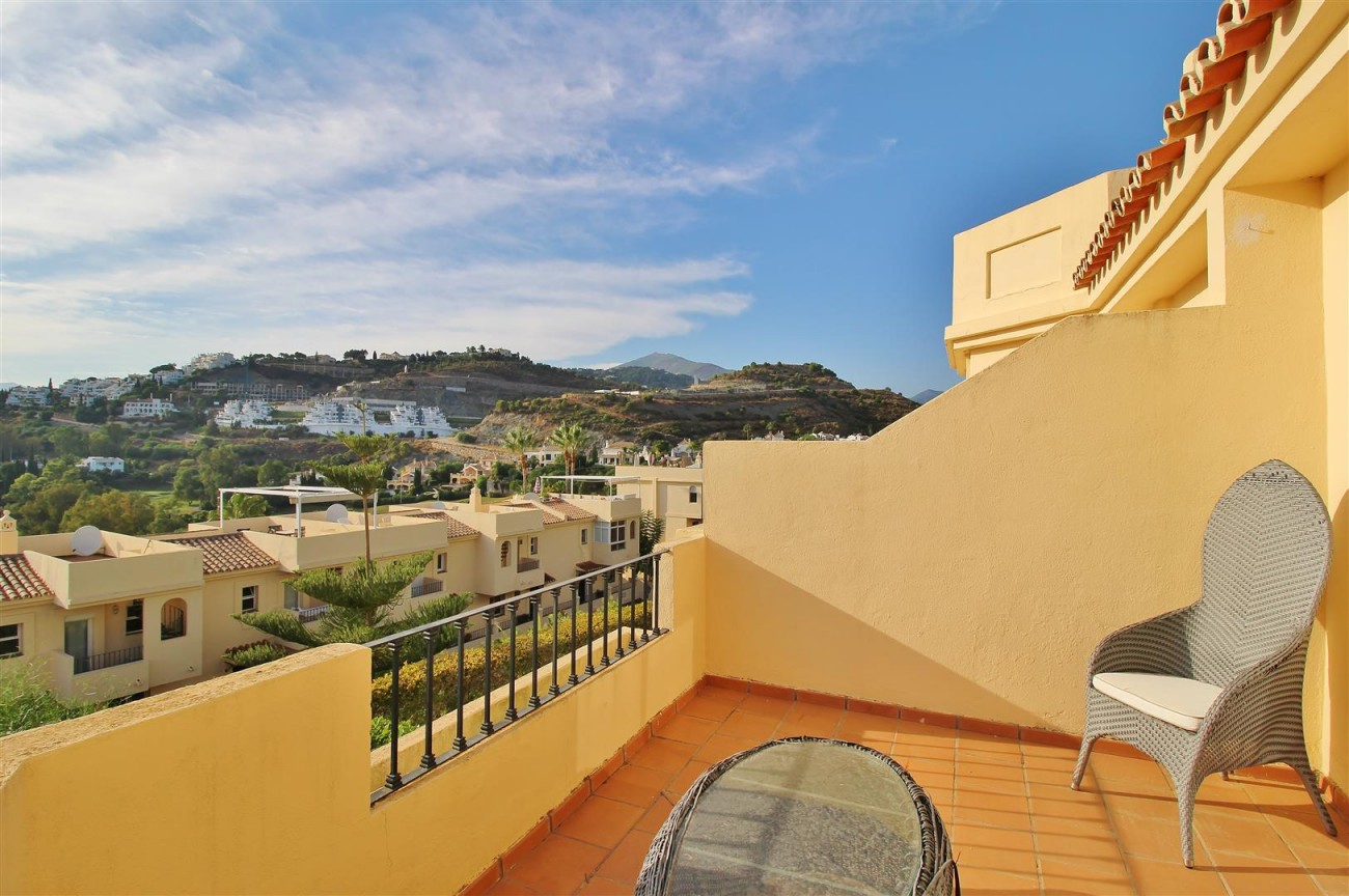 Townhouse for sale La Quinta Golf Benahavis Spain (18) (Large)